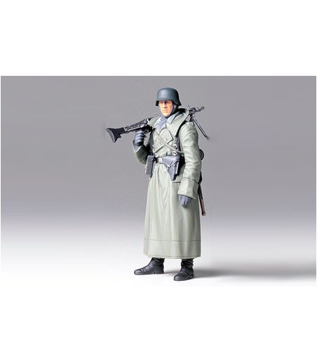 TAMIYA GER. MACHINE GUNNER (GREATCOAT)