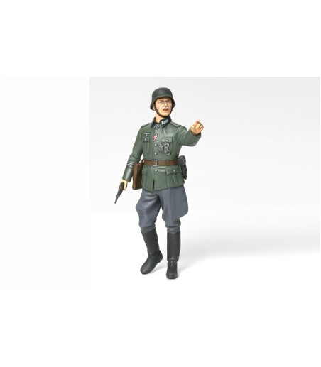 TAMIYA 1/16 GERMAN FIELD COMMANDER