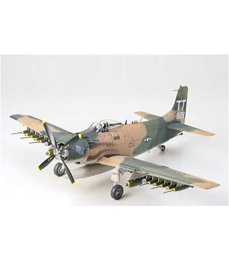 TAMIYA A-1J SKYRAIDER U.S. AIR FORCE