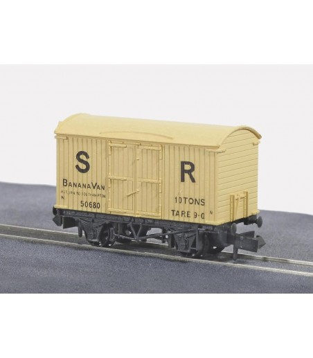 Peco Box Van, Banana, SR, cream N Gauge NR-42S