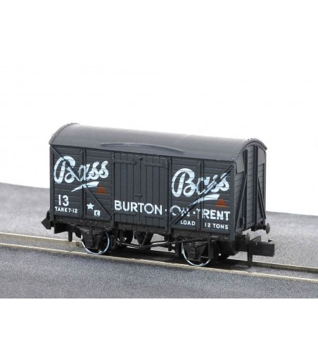 Peco Box Van, 'Bass' No 13 N Gauge NR-P131