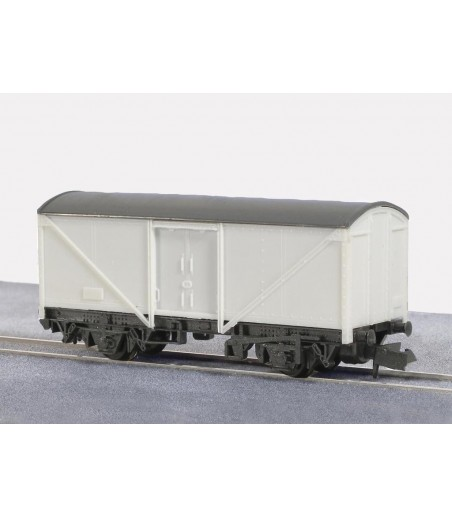 Peco Box Van, Parcels and Fish N Gauge KNR-9