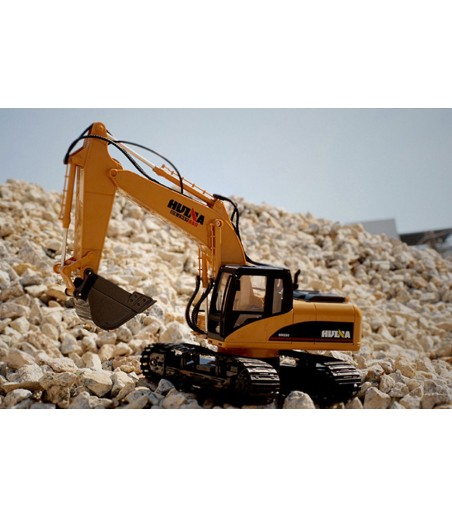 HUINA 1/14TH SCALE RC EXCAVATOR 2.4G 15CH w/DIE CAST BUCKET 2
