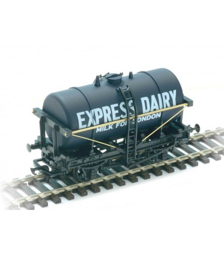 Peco Milk Tank Wagon, Express Dairies OO Gauge R-74E